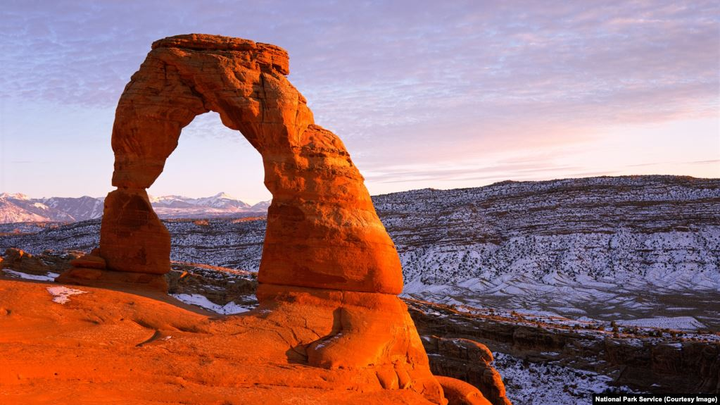 Delicate Arch in Utah's Arches National Park. Image courtesy of National Park Service